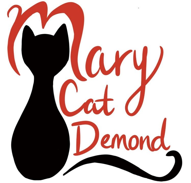 Mary Cat Demond- Body positive plus model and blogger